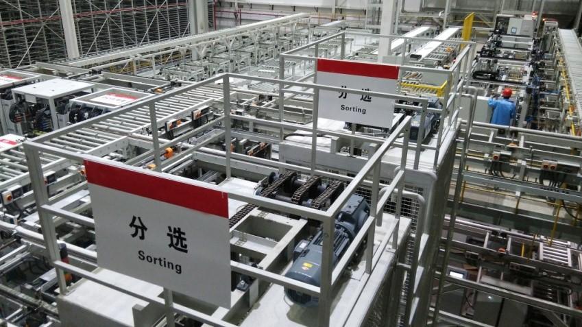 锂电池行业则由于工艺节点较多而使得机器人用量最大图片